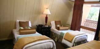Aqua_Hotel_Molokai_Garden_View_Deluxe_Kitchenette1
