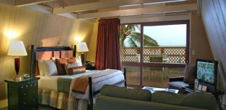 Aqua_Hotel_Molokai_Honeymoon-Suite