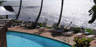 Aqua_Hotel_Molokai_Oceanfront_Pool