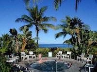 Whirlpool spa at Kona resort
