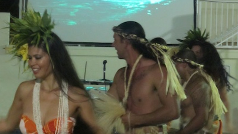 Cool breezes and hot dancers at LOST dinner in Hawaii