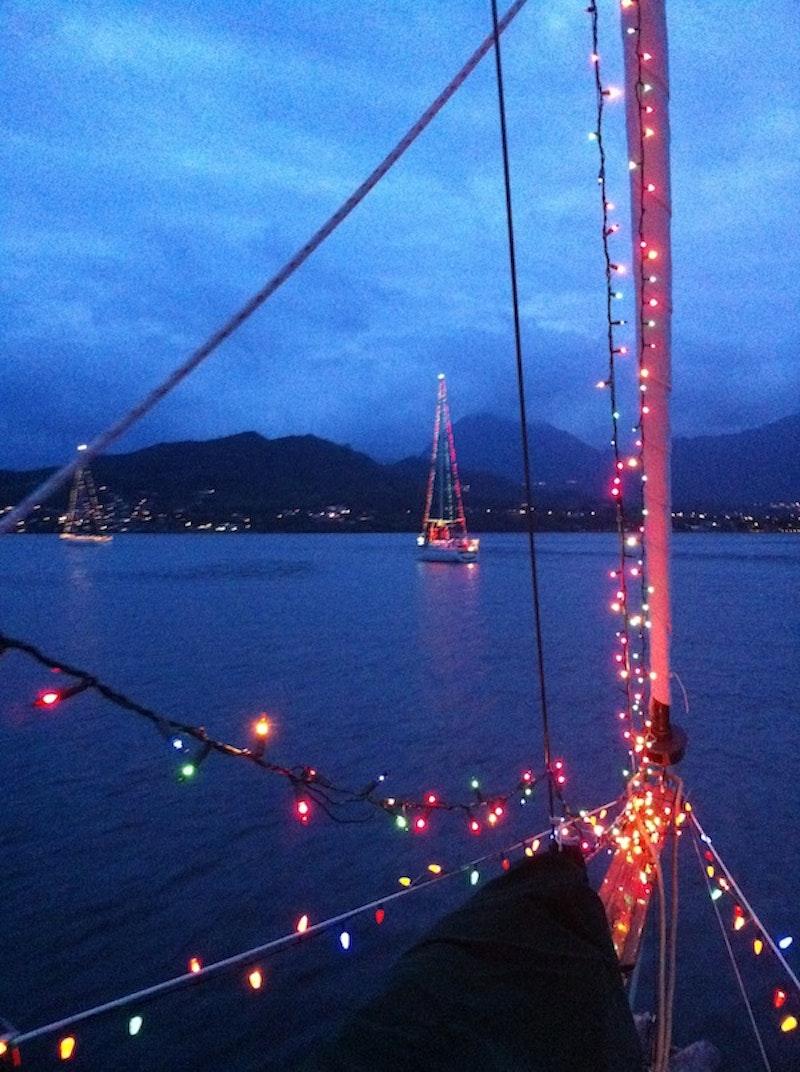 Hawaii Holidays Boat Parade Of Lights Hawaii Aloha Travel