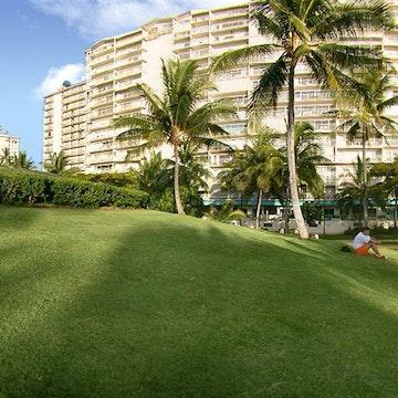 Castle Waikiki Shore