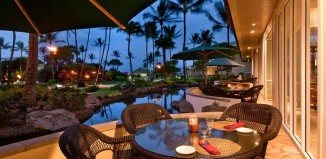 Outdoor resturant at the Kauai Beach Resort