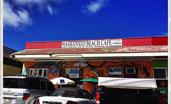 The front of Waimanalo Beach Café
