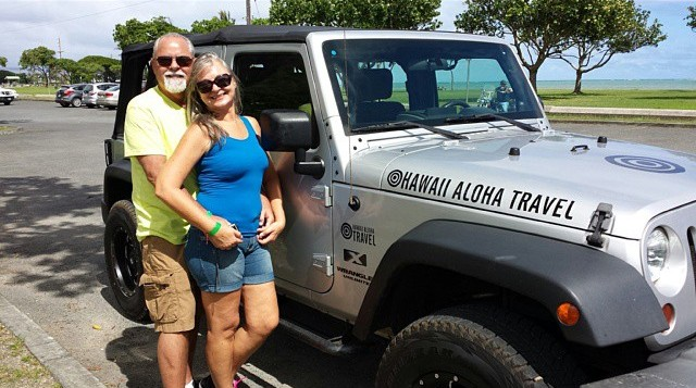 Couple on Oahu Jeep Tour at Kualoa