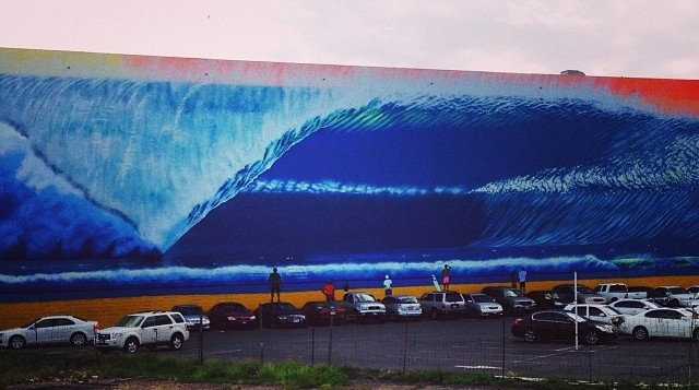 Wave mural in Kalihi industrial area
