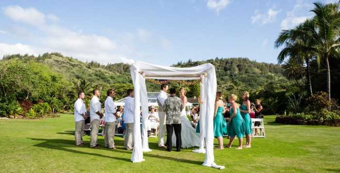 wedding in a mountian view setting in Hawaii