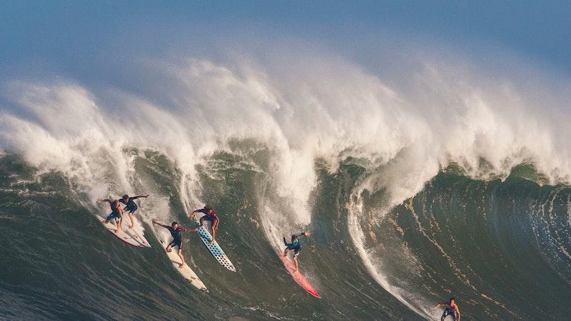 Wild weekend waves, weather in Hawaii