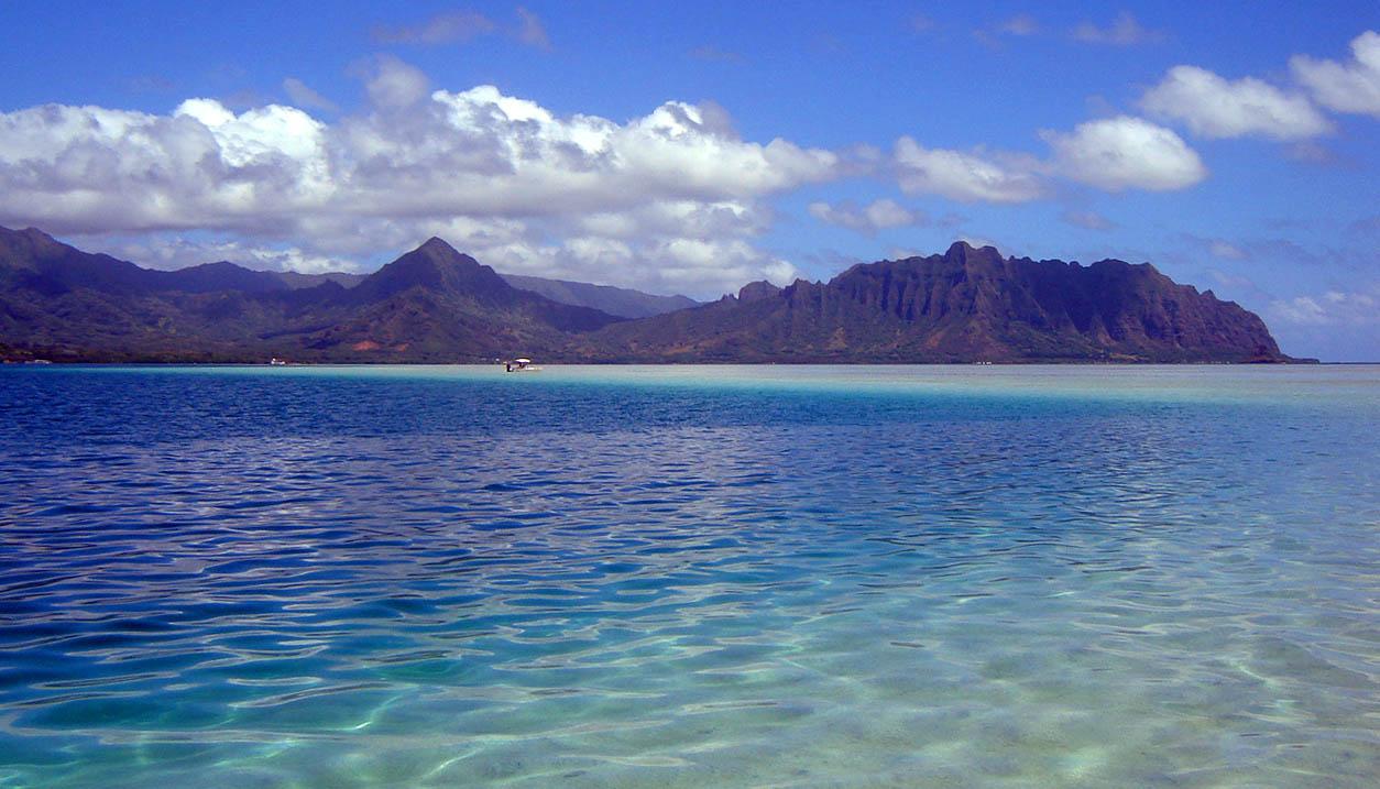 Setting Sail for the Kaneohe Bay Sandbar | Hawaii Aloha Travel