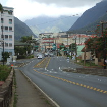 street going into Wailuku town