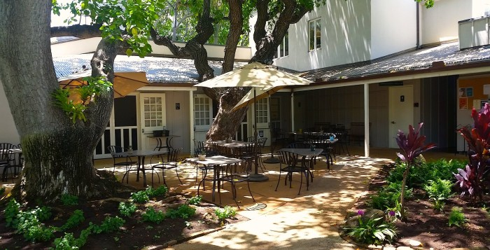 The courtyard of the Mission House Café in Honolulu