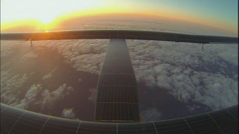 Solar Plane Finally En Route to Hawaii