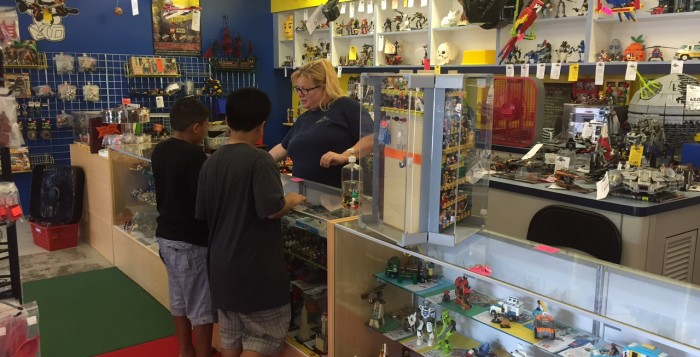 bricks and minifigs store in kailua