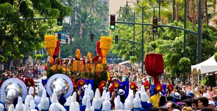the floral parade during the aloha festivals