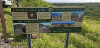 signs letting hikers know about construction