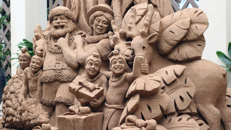 Sand Sculptures Bring Holiday Cheer to Oahu