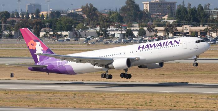 Hawaiian airline jet