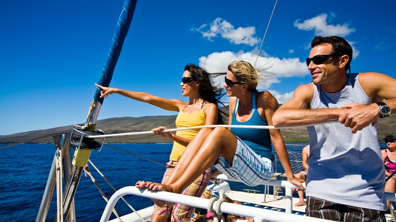 Top 5 Sailing Trips in Hawaii