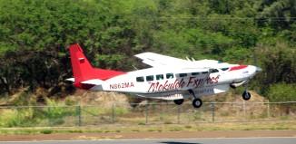 a mokulele airlines plane