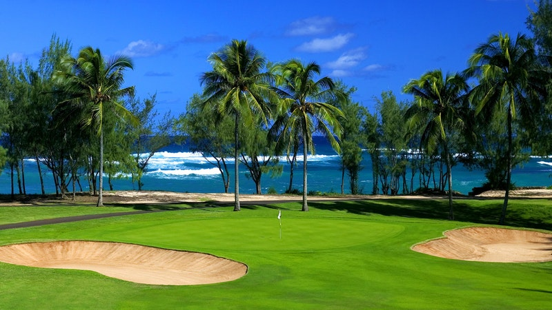 Fore! Top 8 Oahu Golf Courses for Women