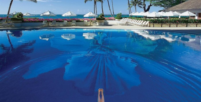the pool at the halekulani hotel