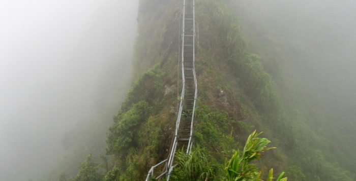 haiku stairs on oahu