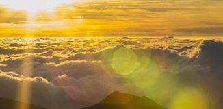 sunrise at haleakala in hawaii