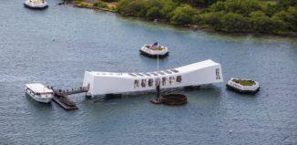 the u.s.s. arizona memorial on oahu