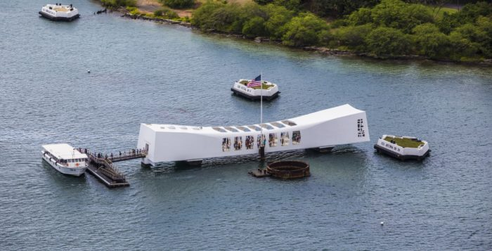 the u.s.s. arizona memorial on oahu
