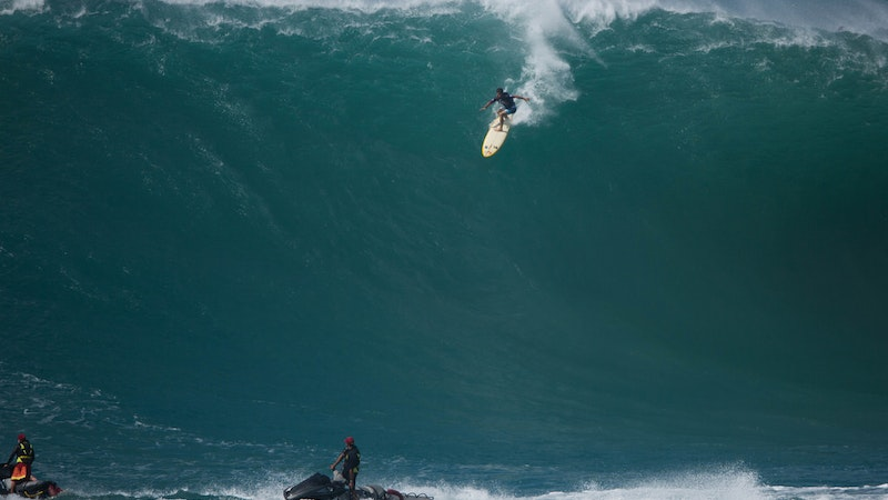 Eddie May NOT Go! Big Wave Surf Contest in Hawaii in Jeopardy