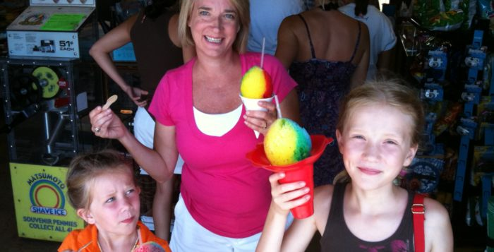 Family with shave ice