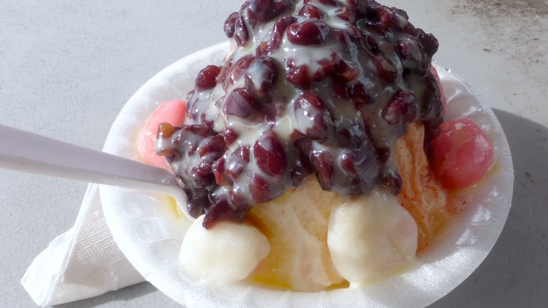 Shave Ice in Hawaii – Join the Island Tradition!