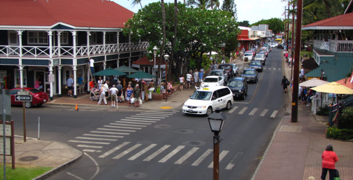 Buys Lahaina intersection