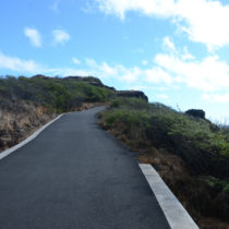 hiking trails for beginners on Oahu