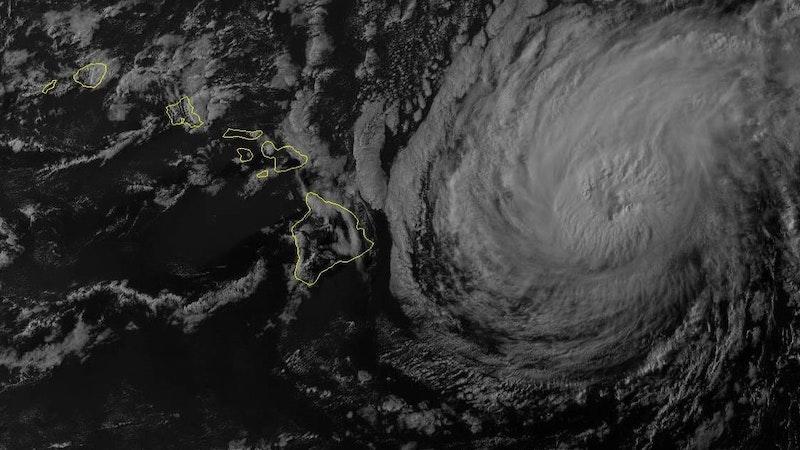 Disasters converge on Hawaii
